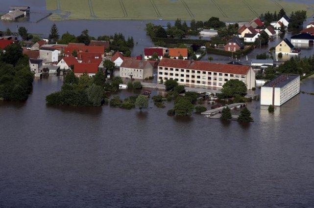 Une vue aérienne de Fischbeck, près de Stendal,... (PHOTO RONNY HARTMANN, AFP)