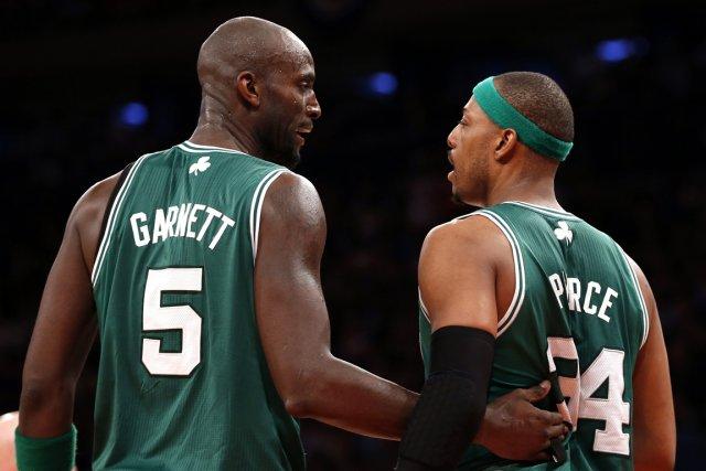 Kevin Garnett et Paul Pierce, des Celtics de... (Photo Mike Segar, Reuters)