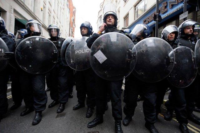 Scotland Yard avait déployé quelque 1200 policiers mardi... (PHOTO STEFAN WERMUTH)