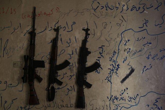 Une soixantaine de villageois chiites pro-régime ont été tués mardi dans l'est... (Photo Muzaffar Salman, Reuters)