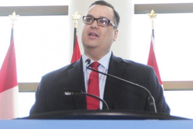 James Moore, ministre du Patrimoine canadien, à l'occasion... (Photo: Étienne Ranger, Le Droit)