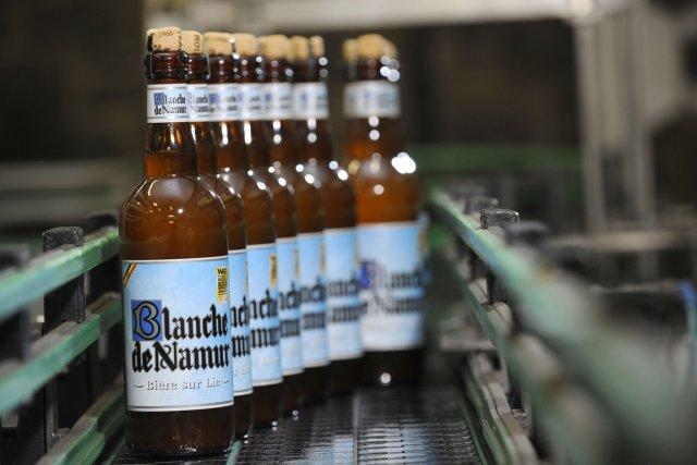 La bière Namur est produite dans la brasserie... (PHOTO JOHN THYS, AFP)