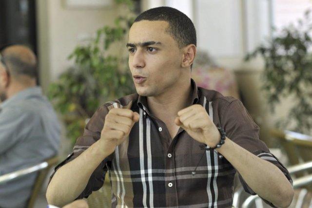 Le rappeur tunisienAlaa Yaâcoub, dit «Weld El 15»,a... (Photo FETHI BELAID, AFP)