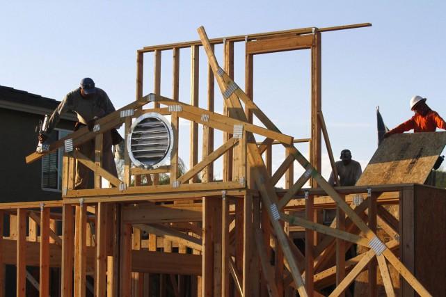 La valeur des permis de bâtir délivrés par les municipalités canadiennes en... (PHOTO ARCHIVES REUTERS)
