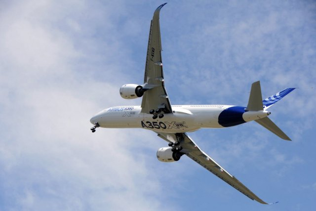 Le constructeur américain Boeing a félicité son concurrent européen Airbus dont...