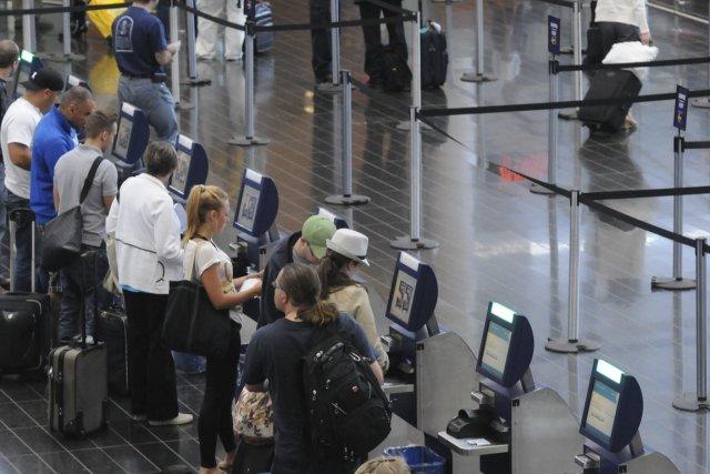 Des bornes libre-service seront aussi bientôt installées aux... (PHOTO FOURNIE PAR MARKETWIRE)