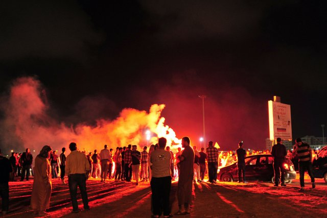 Au moins cinq soldats ont été tués dans des combats opposant à Benghazi, dans... (Photo Esam Al-Fetori, Reuters)