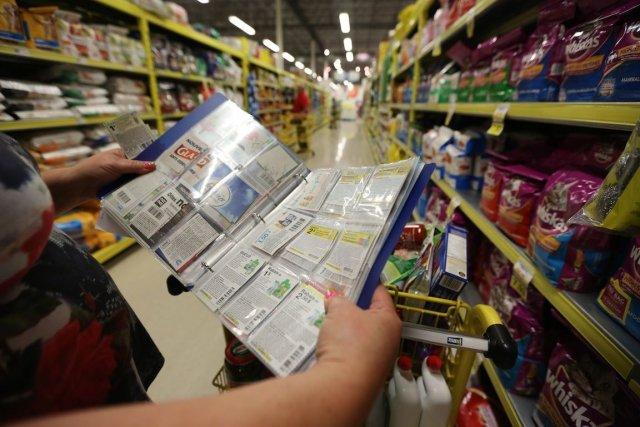 Maxi affirme que la quantité de coupons utilisés par ses clients est en hausse... (Photo Martin Chamberland, La Presse)