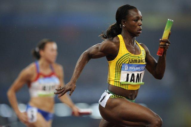 Veronica Campbell-Brown a remporté l'or olympique sur 200m... (Photo Fabrice Coffrini, archives AFP)