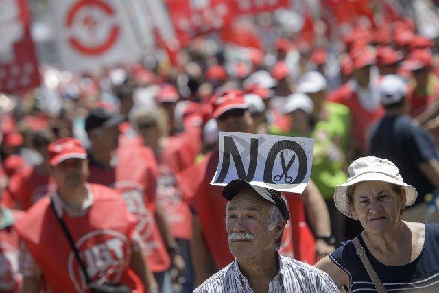 Les manifestations étaient organisées par les trois plus... (PHOTO DANI POZO, AFP)