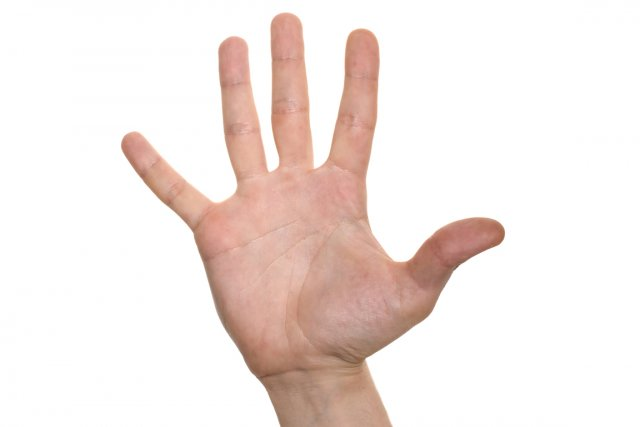 Même si le vieillissement des mains s'observe autant... (Photo shutterstock)