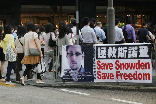 La taupe Edward Snowden se cacherait toujours à... (PHOTO KIN CHEUNG, AP)