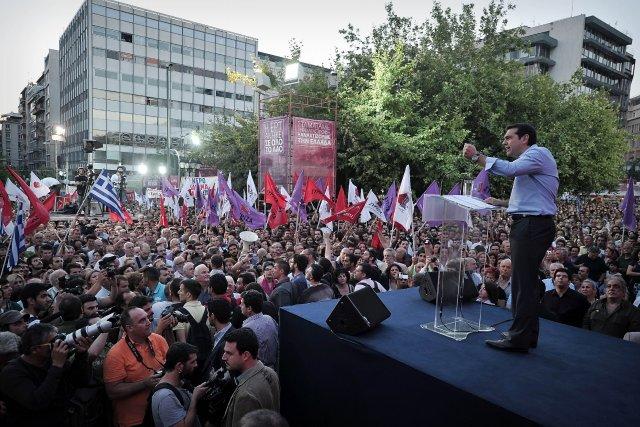 Des manifestations contre la fermeture de l'ERT se... (PHOTO LOUISA GOULIAMAKI, AFP)