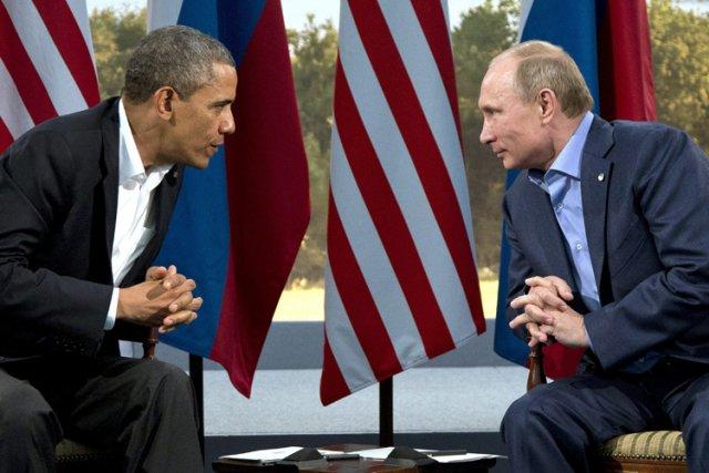 Barack Obama et Vladimir Poutine sont apparus tendus,... (Photo: AP)