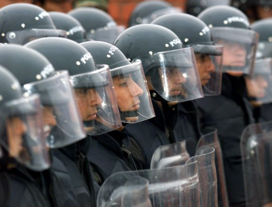 Plusieurs milliers de paysans ont à nouveau manifesté lundi contre le projet... (Photo archives Reuters)