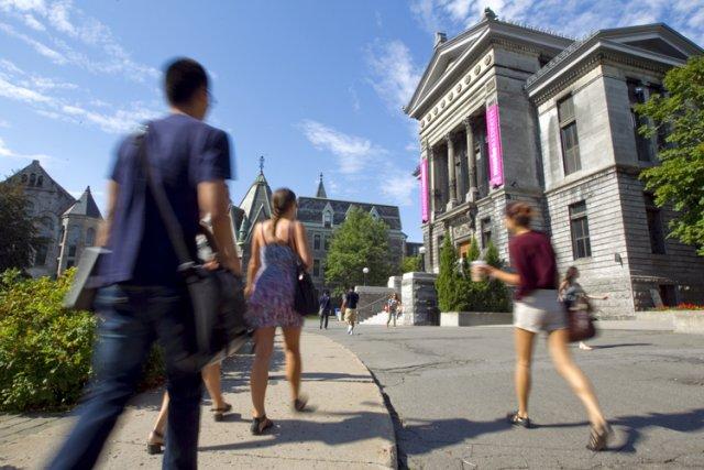 Les étudiants canadiens sont stressés, se sentent débordés, souffrent de... (Photo: Alain Roberge, La Presse)