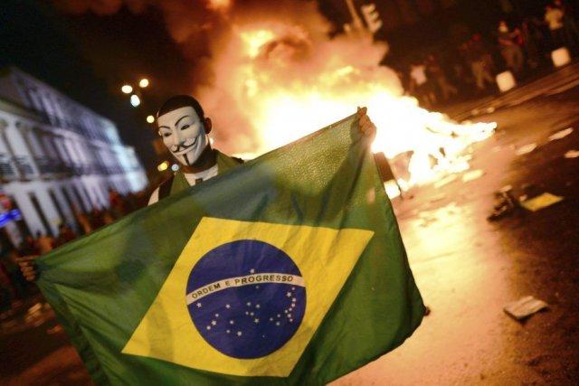 Un masque bien connu un peu partout dans... (Photo AFP)