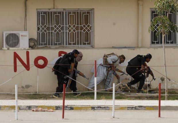 Les islamistes du TTP et leurs alliés sont... (Photo BANARAS KHAN, AFP)