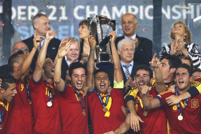 Thiago Alcantara a marqué trois buts en première demie pour donner à l'Espagne... (Photo Ronen Zvulun, Reuters)