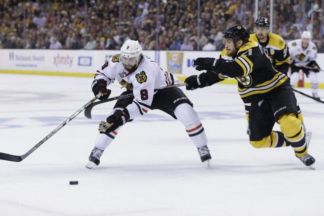 Les joueurs des Blackhawks ne peuvent s'exprimer librement,... (Photo Elise Amendola, AP)
