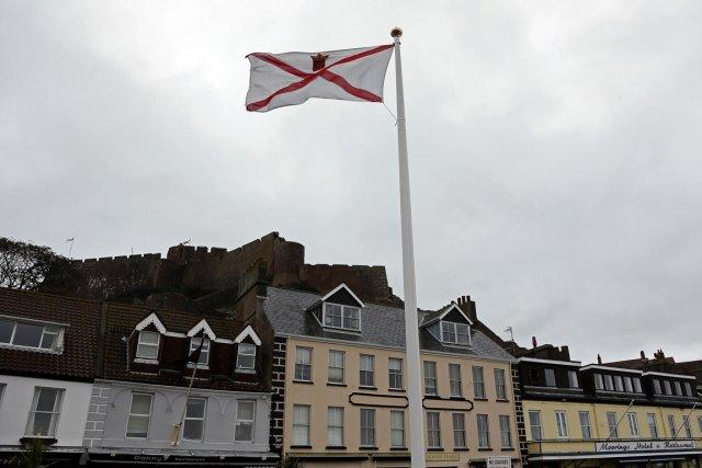 Montfort Tadier, 34 ans, est l'un des députés de Jersey. Très critique du rôle... (Photo AFP)