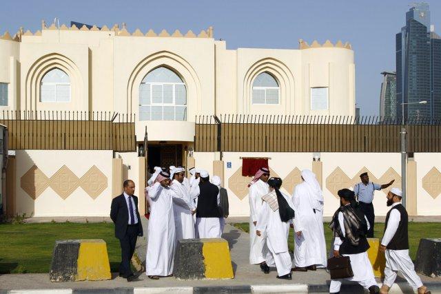L'annonce de l'ouverture du bureau des talibans à... (Photo FAISAL AL-TIMIMI, AFP)