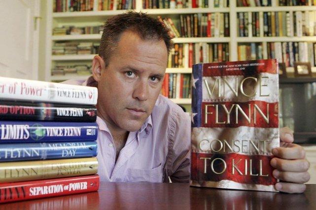 L'écrivain âgé de 47 ans a vendu des... (PHOTO JIM MONE, AP)
