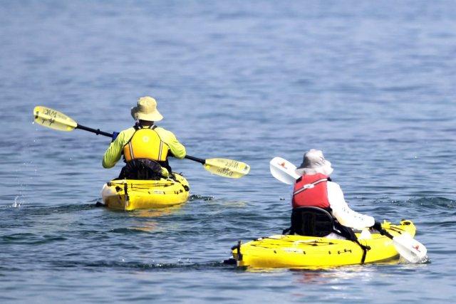 Un jeune homme a perdu la vie après s'être aventuré en kayak sur un canal à... (Photo Desmond Boylan, archives Reuters)