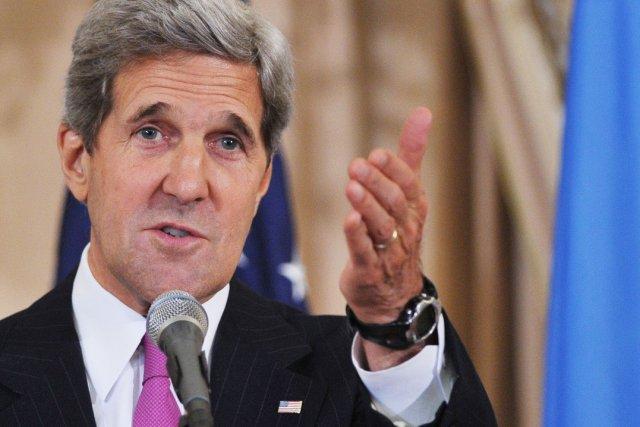 M. Kerry a assuré que la contribution américaine... (PHOTO MANDEL NGAN, AFP)