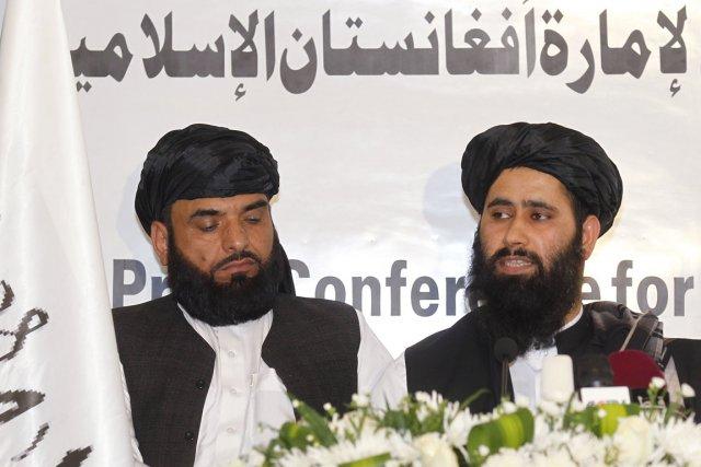 Mardi, les talibans et les Américains avaient annoncé... (PHOTO MOHAMMED DABBOUS, ARCHIVES REUTERS)