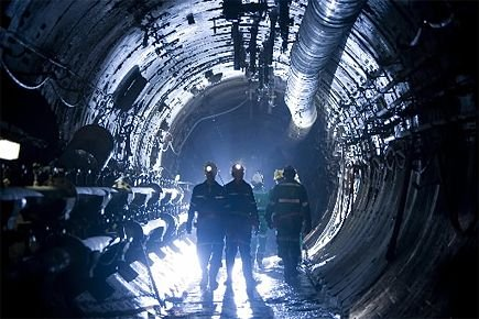 Des employés de Cameco Corp. dans une mine... (Photo: archives Cameco Corp)