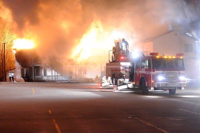 Une femme est soupçonnée d'être à l'origine d'un incendie criminel survenu ce... (Archives La Tribune, Julien Chamberland)
