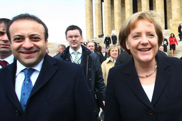 Le ministre turc des Affaires européennes, Egemen Bagis,... (PHOTO ADEM ALTAN, ARCHIVES AFP)