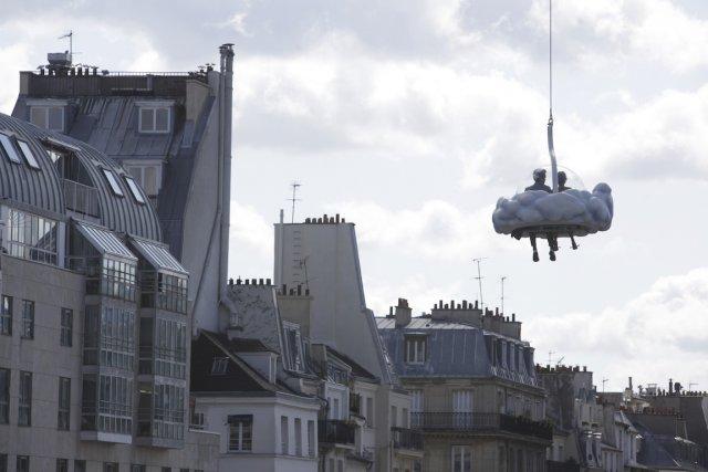 Le cinéaste français s'est fait plaisir en transposant... (PHOTO FOURNIE PAR FILMS SÉVILLE)