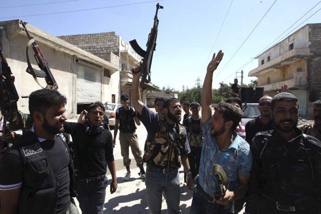 Alors que la rébellion a perdu du terrain... (PHOTO MUZAFFAR SALMAN, REUTERS)