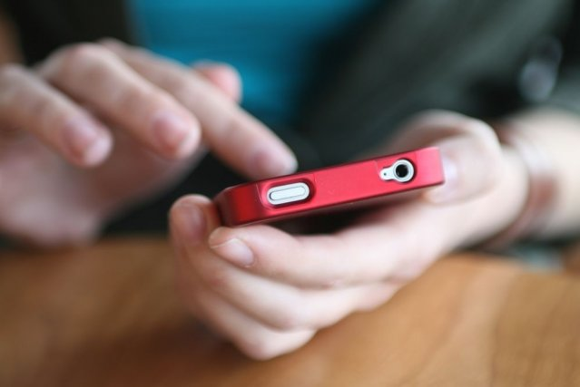 Les ventes de téléphones portables devraient continuer à... (Photo D. Hammonds/shutterstock.com)