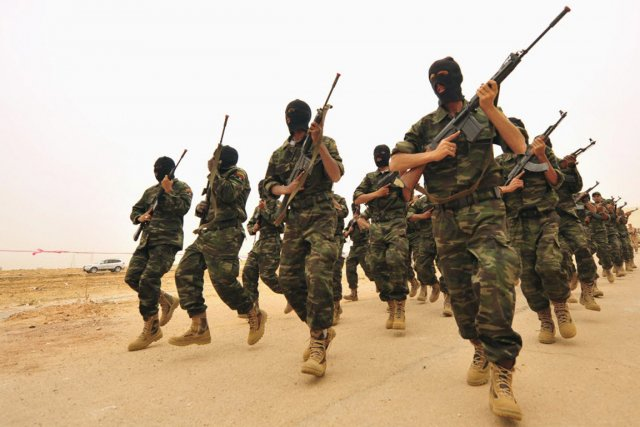 Des soldats lybiens.... (PHOTO ESAM Al-FETORI, REUTERS ARCHIVES)