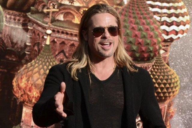 Brad Pitt fait la promotion de World War... (Photo: AFP)
