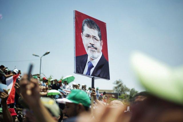 Les heurts ont éclaté lorsque des opposants ont... (PHOTO GIANLUIGI GUERCIA, ARCHIVES AFP)