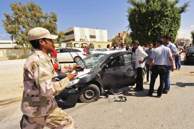 Un officier de l'armée libyenne a été tué... (PHOTO ESAM Al-FETORI, REUTERS)