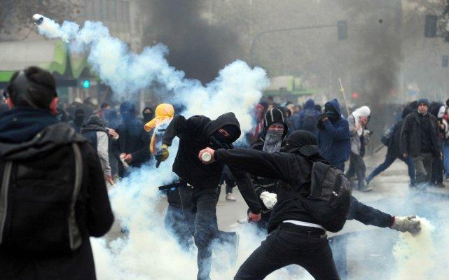 Les incidents les plus graves se sont produits... (PHOTO MARTIN BERNETTI, AFP)