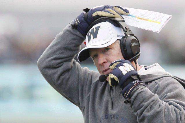 Tim Burke, entraîneur-chef des Blue Bombers de Winnipeg.... (Photo John Woods, La Presse Canadienne)