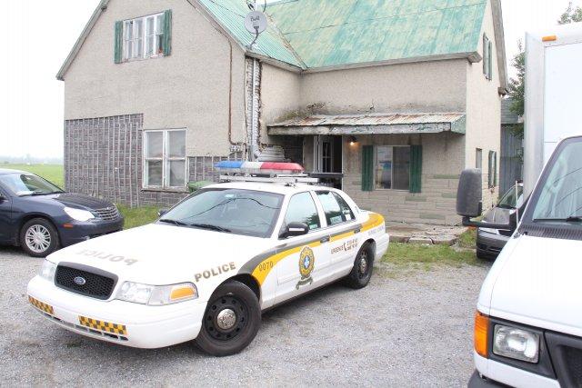 Les policiers sont entre autres débarqués dans cette... (photo Janick Marois)