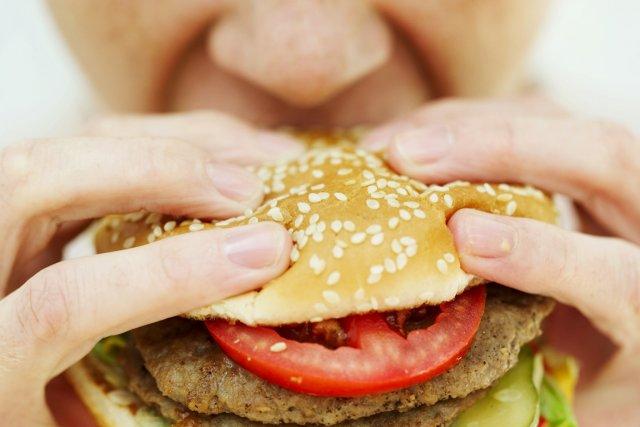 Les boissons énergétiques à forte teneur calorique et les friandises seront... (PHOTOTHÈQUE LA PRESSE)