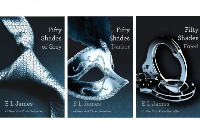 Les trois volumes de la trilogie Fifty Shades of... (Photo Associated Press)
