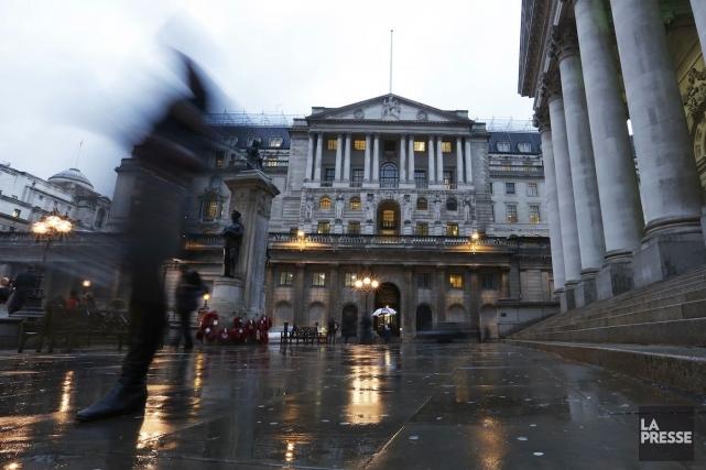La Banque d'Angleterren'a pas amendé ses orientations de... (Photo Olivia Harris, REUTERS)