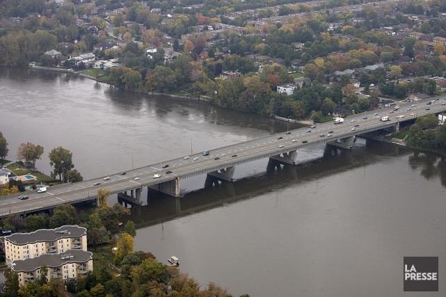 Le pont Médéric-Martin, photographié en 2006.... (Photo: Alain Roberge, archives La Presse)