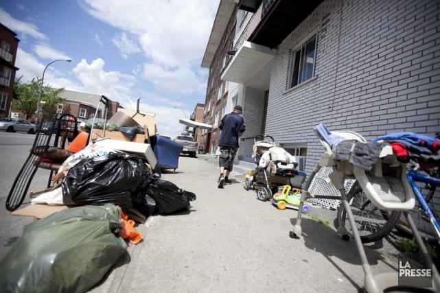 Chaque année, quelque 600000 tonnes d'objets sont jetées... (PHOTO MARCO CAMPANOZZI, ARCHIVES LA PRESSE)