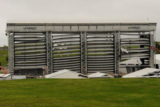 Le vent a causé des bris aux toiles... (Photo Le Soleil, Patrice Laroche)