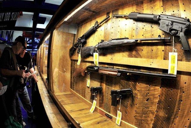 Des amateurs d'armes à feu se sont déplacés... (Photo: AFP)